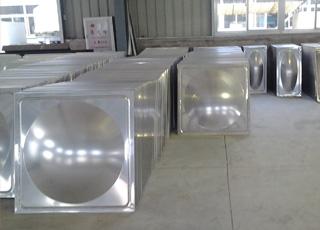 组合不锈钢水箱产品件.jpg